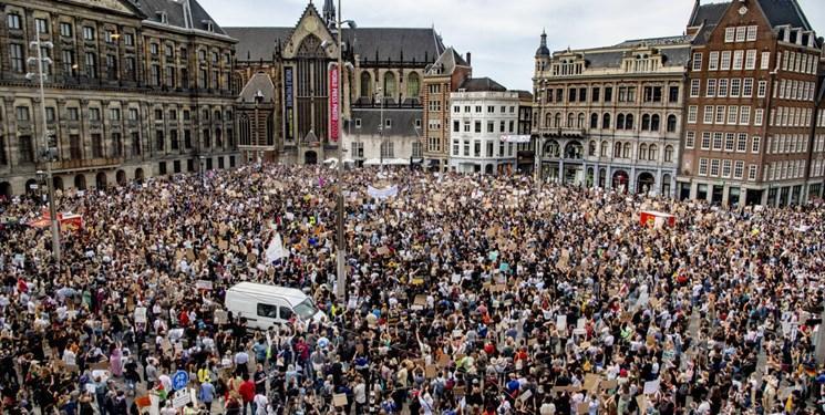 فیلم ، تظاهرات چندهزار نفری ضدنژادپرستی در آمستردام