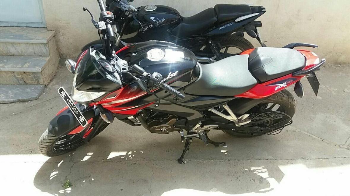 خبرنگاران پلیس بوکان با موتورسیکلت های دارای صدای ناهنجار برخورد می نماید